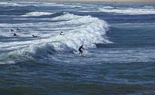 Le site de la Torche, au sud de la baie d'Audierne, dans le Finistère, est un spot reconnu par les surfeurs.