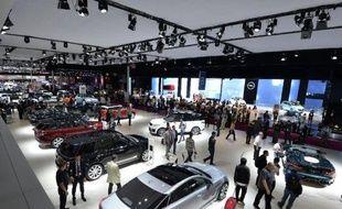 Vue générale de différents modèles de constructeurs français au salon de l'automobile à Paris le 3 octobre 2014