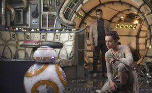 Daisy Ridley et John Boyega dans «Le Réveil de la Force».