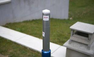 Une balise de détection de la radioactivité de l'IRSN.