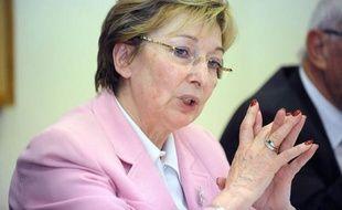 Le gouvernement songe à réintroduire la clause de compétence générale, qui permet à chaque collectivité locale d'intervenir dans tous les domaines, a révélé jeudi la ministre déléguée à la Décentralisation, Anne-Marie Escoffier.