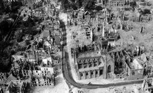La ville de Vire a été détruite à 95% par les bombardements alliés au soir du 6 juin 1944
