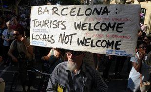 Des manifestations contre la gestion du tourisme de masse à Barcelone se sont tenues en juin 2017 dans la ville catalane.