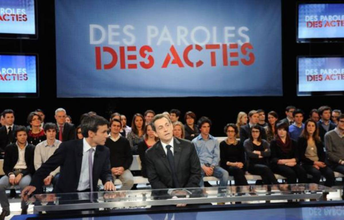 David Pujadas et Nicolas Sarkozy sur le plateau de «Des paroles et des actes», sur France 2, le 6 mars 2012. – WITT/SIPA