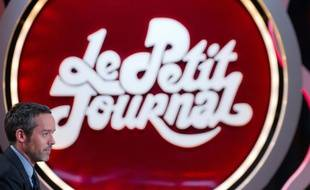 """Le """"Petit Journal"""", dont la dernière émission présentée par Yann Barthès a lieu jeudi soir, a marqué les écrans par des séquences à l'humour décapant, des commentaires pince sans-rire ou des reportages très originaux"""