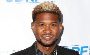 Usher et ses cheveux blonds