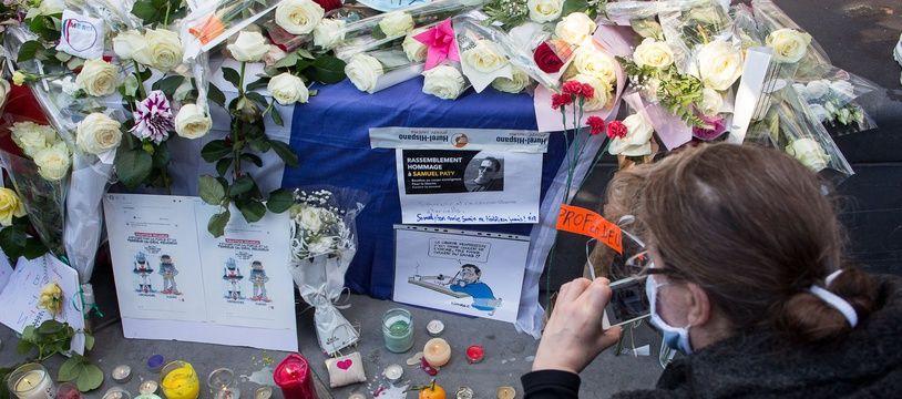 Rassemblement à Paris le 18 octobre 2020 en mémoire de Samuel Paty, enseignant décapité pour avoir montré des caricatures de Mahomet en cours.
