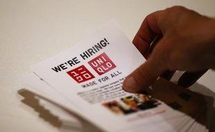 Les embauches aux Etats-Unis se sont accélérées à un rythme beaucoup plus soutenu que prévu en juillet, sans toutefois empêcher une légère hausse du taux de chômage, qui s'établit à 8,3%, selon des chiffres publiés vendredi à Washington par le département du Travail.