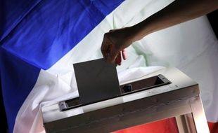 Le scrutin pour le second tour de la présidentielle a commencé à Saint-Pierre et Miquelon samedi à midi (8H00 locale), donnant le coup d'envoi des opérations de vote dans les outre-mer et pour les Français résidant sur le continent américain.