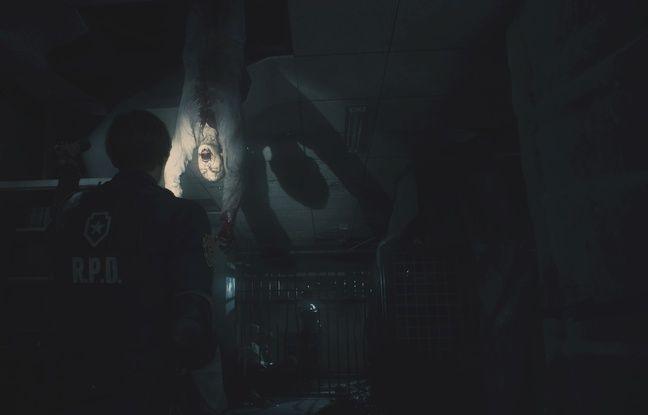 Avec juste une lampe torche, on ne la ramène pas trop dans ces couloirs plongés dans les ténèbres...
