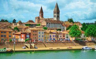 Tournus est un véritable ravissement pour les passionnés d'architecture et d'Histoire.