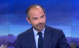 Le Premier ministre Edouard Philippe sur le plateau du JT de France 2, le 30 mai 2017