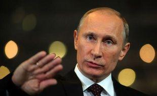 L'homme fort de la Russie Vladimir Poutine confronté à une vague de contestation a vu dégringoler sa popularité dans les sondages à moins de trois mois de la présidentielle de mars, mais la presse libérale doute vendredi de ses intentions de réformer le pays.