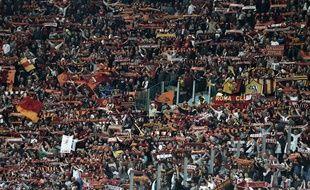 Les supporters de l'AS Roma lors du match AS Roma- Lazio, le 30 avril 2017, au stade olympique de Rome.