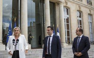 Marine le Pen avec Florian Philippot et David Rachline à l'Elysée.