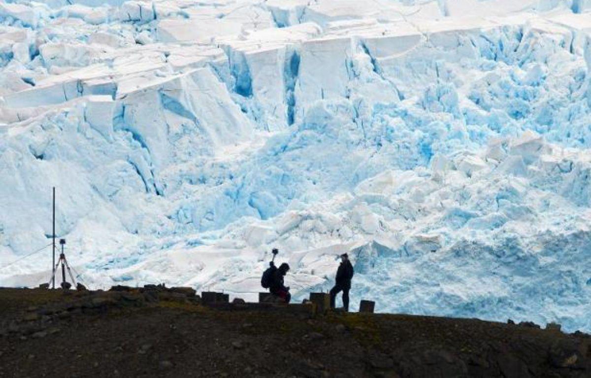 Des scientifiques brésiliens de la base antarctique Commandante Ferraz au travail, le 10 mars 2014 – Vanderlei Almeida AFP