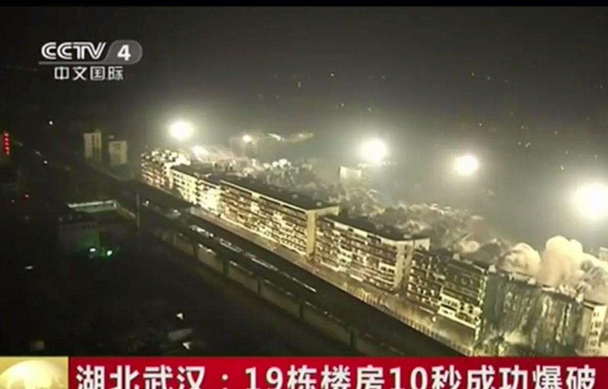 19 immeubles ont été détruits simultanément à Wihan (Chine) – Screeshot CCTV