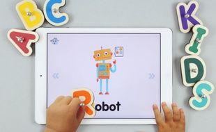 """Avec son jeu """"Smart Letters"""", Marbotic fait le pont entre le bois et le digital."""