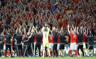 Les Gallois fêtent leur qualification en demis avec leurs supporters