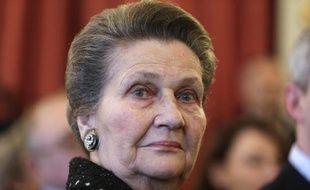 L'ancienne ministre de la Santé, Simone Veil le 6 avril 2013 à l'Assemblée nationale lors de l'attribution du Prix du livre politique