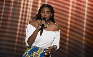 Imane sur le plateau de The Voice