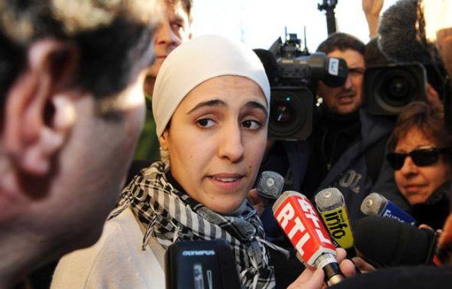 Ilham Moussaid, candidate du NPA pour les élections régionales en région Paca, lors d'une conférence de presse à Marseille, le 3 février 2010.