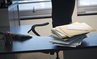 Absentéisme au travail, un bureau vide.