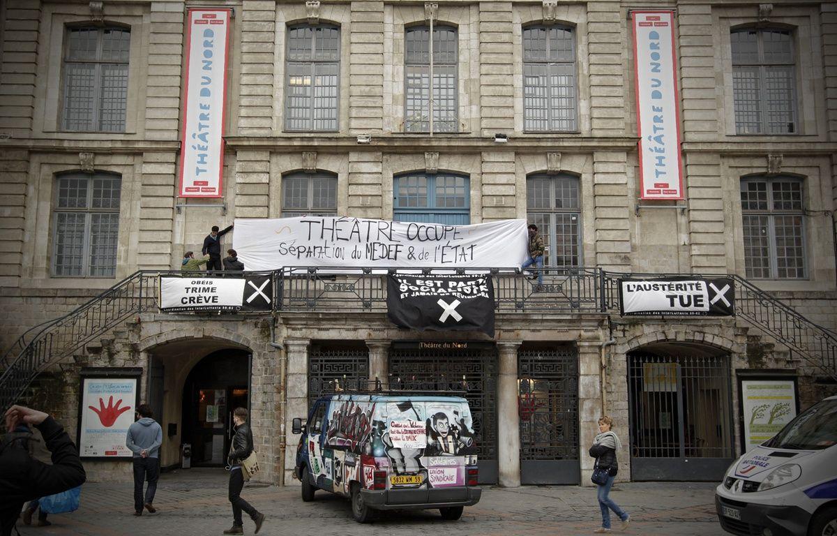 Les Interluttants occupent le théâtre du Nord, à Lille. – M.Libert / 20 Minutes