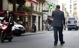 """Stéphane Richard, PDG d'Orange, estime, après l'arrivée de Free sur la marché de la téléphonie mobile, que """"le vrai risque serait que tous les opérateurs deviennent low cost"""" et il affirme qu'Orange ne s'alignera """"jamais sur les prix de Free"""", dans une interview au Journal du Dimanche."""