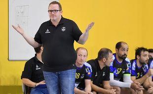 Loïc Camperrou, manager du club de handball de La Teste-Arcachon
