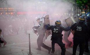 La tension monte à deux jours de la manifestation des opposants au mariage homosexuel, Manuel Valls mettant en garde contre des provocations de l'extrême droite tandis que la très médiatique Frigide Barjot fait état de menaces la visant.