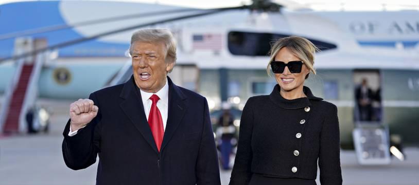L'ancien président des Etats-Unis, Donald Trump, et l'ancienne First Lady, Melania Trump, sur le départ