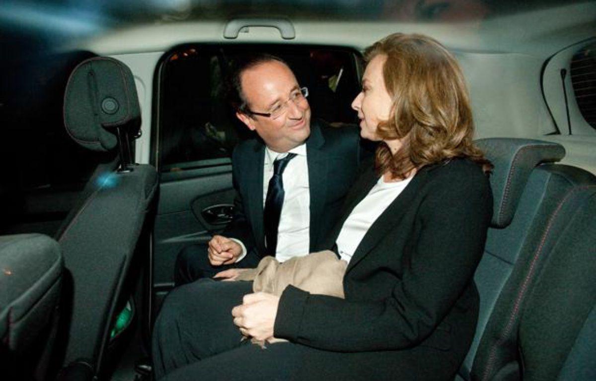 François Hollande et Valérie Trierweiler quittent Tulle pour rejoindre Paris le 6 mai 2012. – S. ORTOLA / 20 MINUTES
