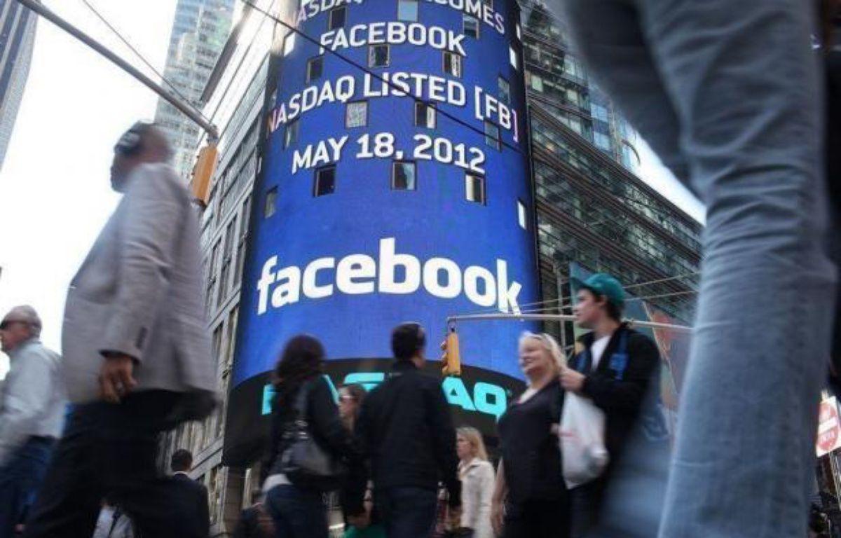 La plateforme boursière Nasdaq était également visée par des plaintes en nom collectif comme celle de Phillips Goldberg, un investisseur du Maryland (est), pour ne pas avoir été en mesure de traiter en temps et en heure les ordres boursiers massifs pendant la première journée de cotation de Facebook. – Spencer Platt afp.com