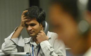 Un employé d'un call-center indien