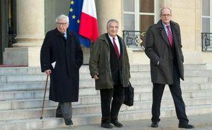 Le fondateur du Samu social Xavier Emmanuelli a été nommé président du Haut Comité pour le logement des personnes défavorisées par François Hollande, selon un décret publié au Journal Officiel dimanche.