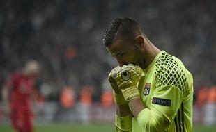 Anthony Lopes a sorti un grand match pour aider Lyon à se qualifier à Besiktas pour les demies de Ligue Europa, à l'image des deux penaltys arrêtés.