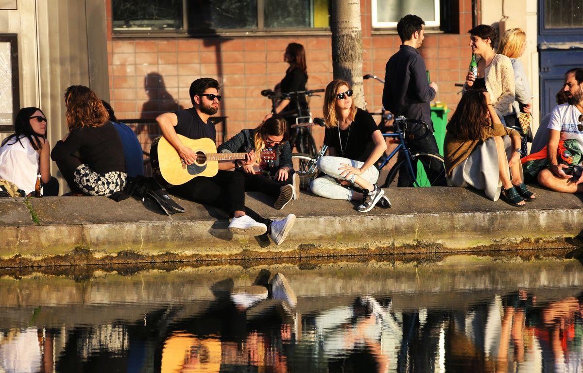 Les quais du Canal-Saint-Martin dans le 10e arrondissement – AFP