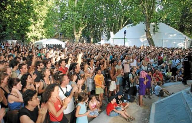 Clou de l'été grenoblois, la 14e édition du Cabaret Frappé devrait encore attirer la grande foule au Jardin de ville.