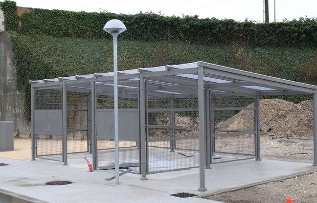 Le 10 fevrier 2016, construction d'un parking velo sur l'arrêt Frankton à Blanquefort de la nouvelle branche de la ligne C du tramway