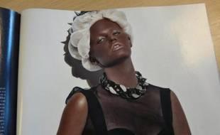 Lara Stone en photo dans le magazine Vogue