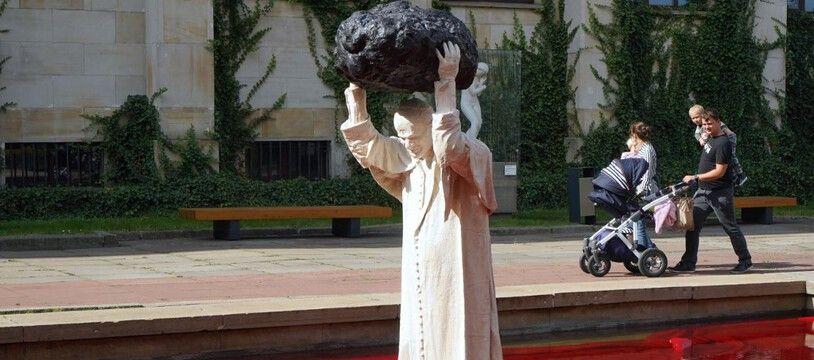 Une statue de Jean-Paul II à Varsovie, le 24 septembre 2020.