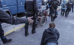 L'une des deux photos devenues virales après l'action de blocage de militants indépendantistes catalans sur l'autoroute A9.