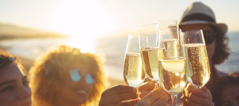 Sauf qu'aujourd'hui, une coupe de champagne manque à l'appel.