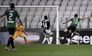 Le but de Ruslan Malinovskyi lors de Juventus-Atalanta (2-2), le 11 juillet 2020.