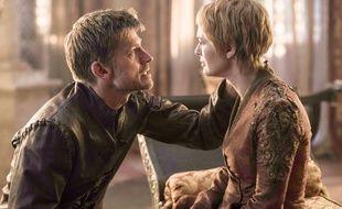 Nikolaj Coster-Waldau en Jaime et Lena Headey en Cersei Lannister dans la saison 6 de Game of Thrones