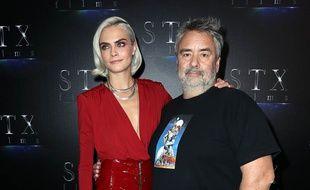 L'actrice Cara Delevingne et le réalisateur Luc Besson à Las Vegas