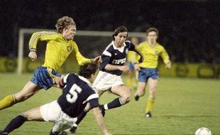 Le milieu de terrain René Girard (avec des cheveux en plus) contre Leipzig en avril 1987.