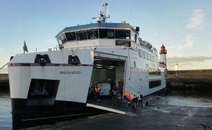 En raison de l'épidémie de coronavirus, le trafic vers les îles bretonnes va être fortement réduit.