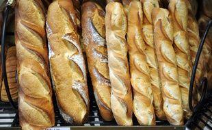De nombreux produits du quotidien, certains emblématiquesde la gastronomie française, sont issus de différents types de fermentation (pain, vin, fromage, beurre, saucisson, choucroute...)